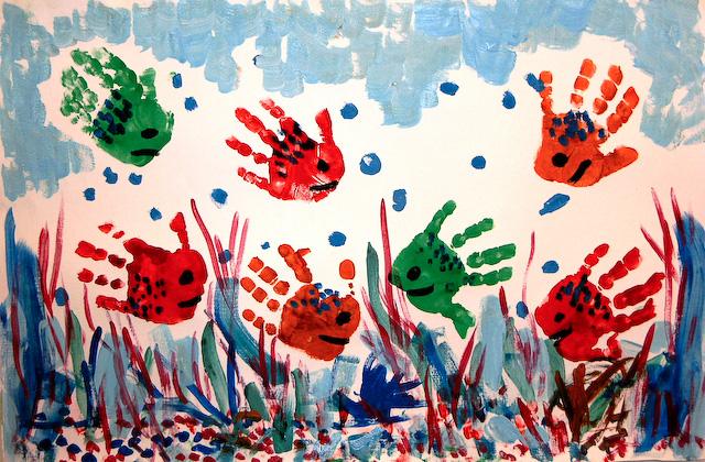 Гифы, картинки пальчиковыми красками ладошки